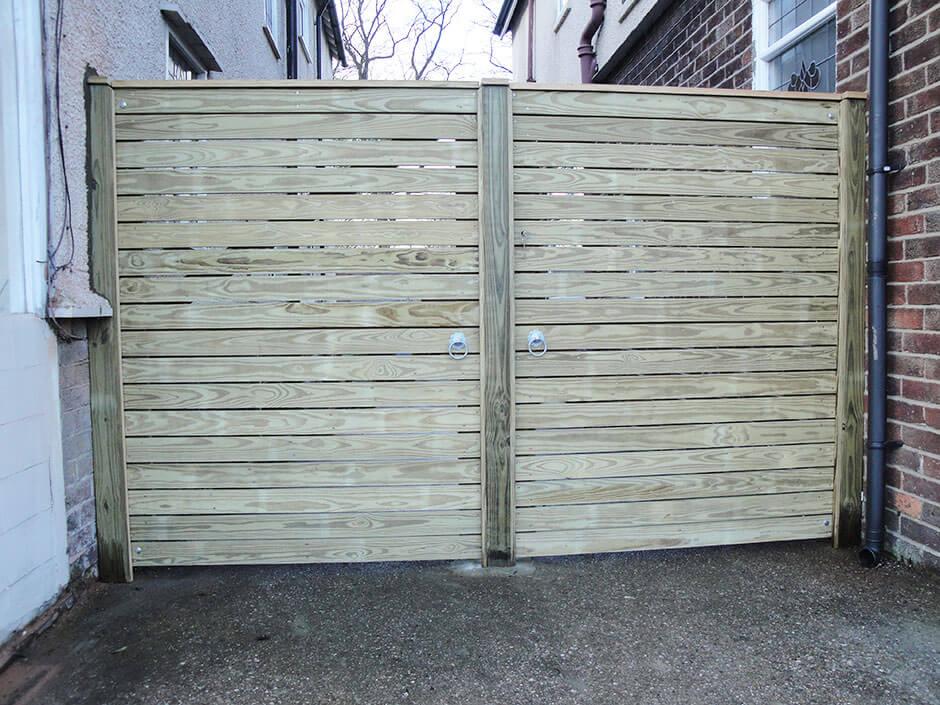back_gate